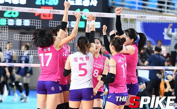 [포토화보] 흥국생명, 한국도로공사에 3-1로 승리