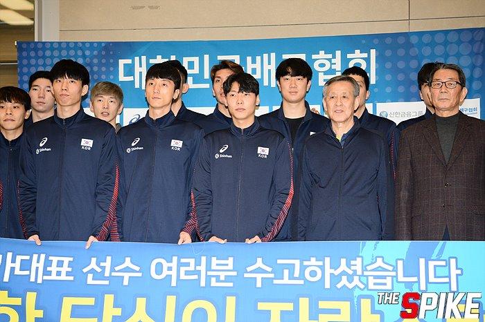 [포토화보] 올림픽예선 남자배구대표팀 입국현장 화보