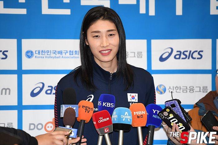 [포토화보] 올림픽예선 여자배구대표팀 입국현장 화보