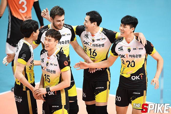 [화보] OK저축, 세트스코어 3-1로 한국전력에 승리