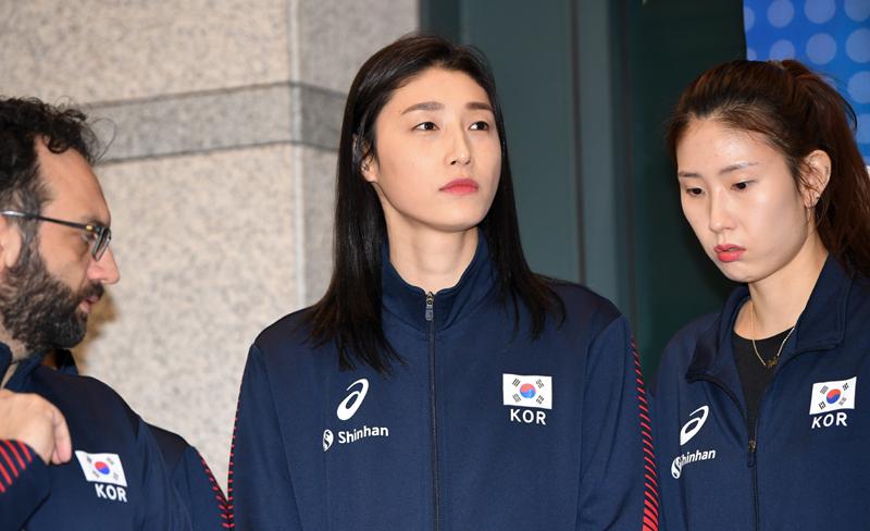 김연경의 '올림픽 시계' 1년 미뤄졌다